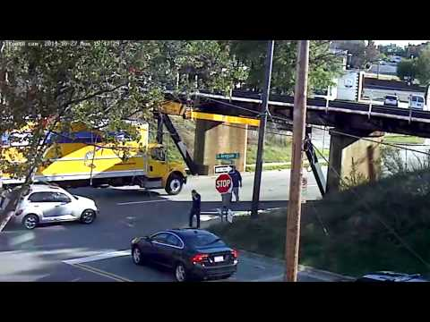 Another truly spectacular crash at the 11foot8 bridge